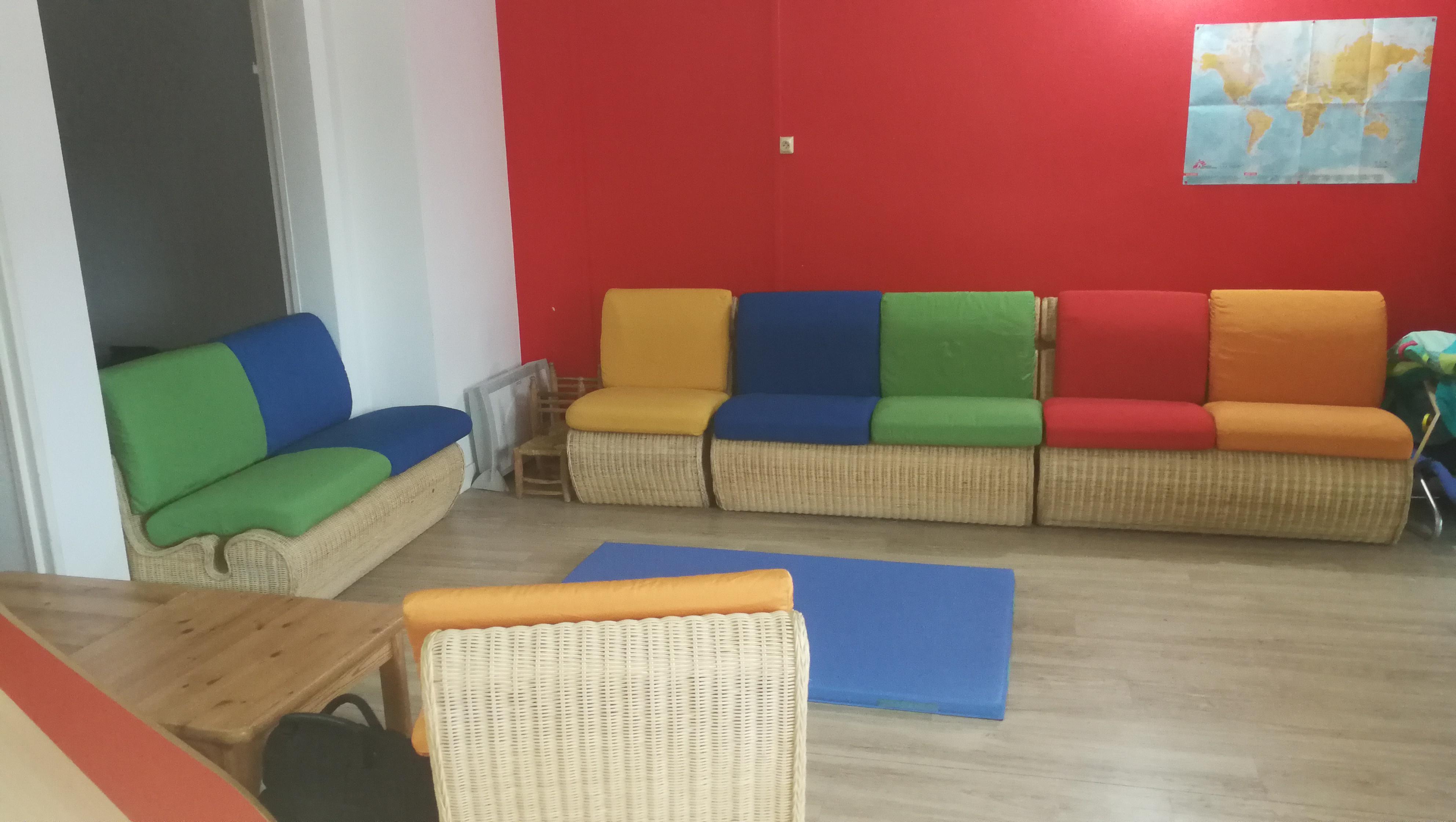 Anim-Tes-Mains-ateliers-parents-enfants-Salle-du-Jardin-Bleu